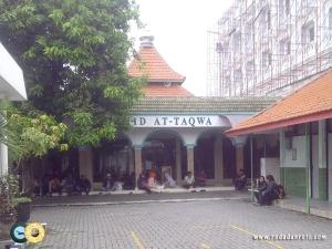 masjid di kantor imigrasi waru