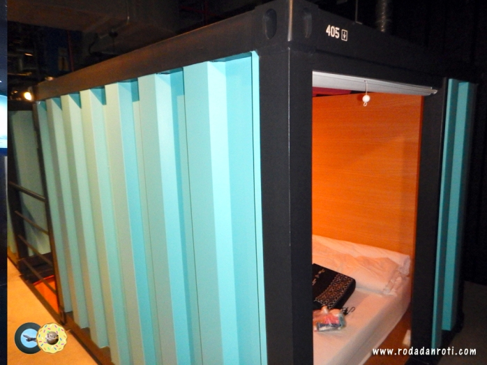 container isi 2 orang capsule by container hotel klia2 malaysia copy